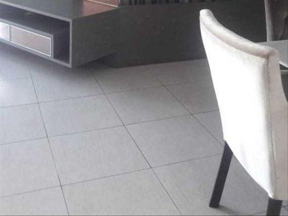 "Apartamento à venda em <span itemprop=""addressLocality"">Miramar</span>"
