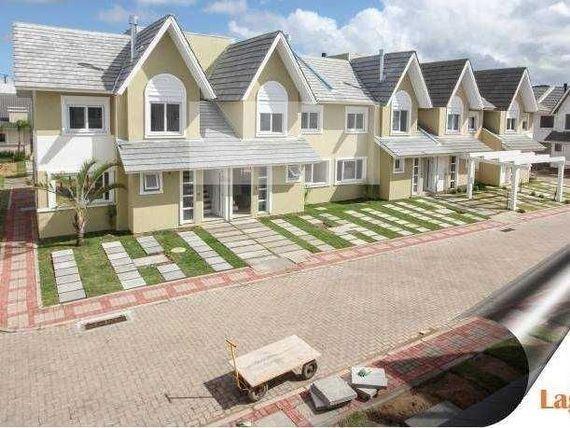 Casa no Condomínio Lagos Club