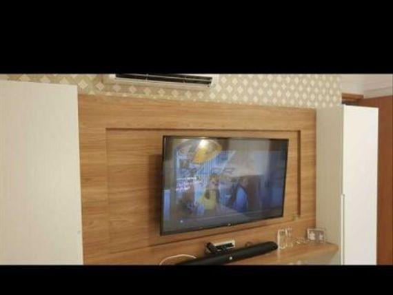 Vendo apartamento em andar intermediário, com varanda, planejados, 90 m2, sala p/ 2 ambientes, 3 qts s/ 1 st