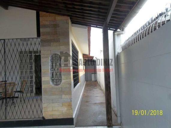 Casa no José Américo proximo a Igreja Católica