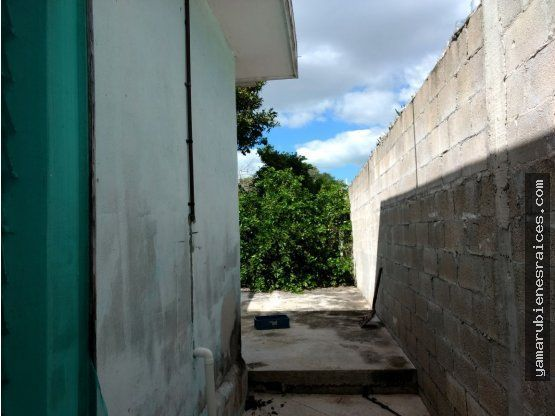 """Venta de Casa en <span itemprop=""""addressLocality"""">Champotón</span>-Centro terreno grande."""
