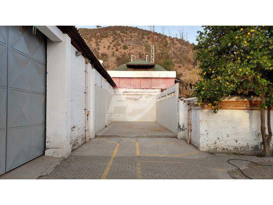 Oficinas y galpón en pleno centro de Los Andes