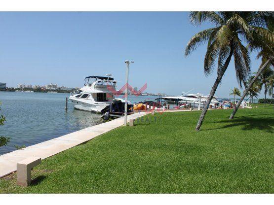 Departamento Isla Real en venta frente a laguna