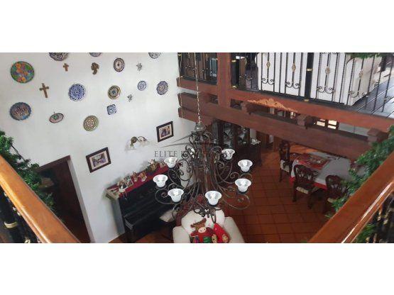 Residencia mexicana en venta zona Colegios Cancun
