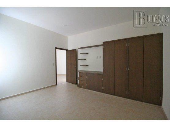 """Estrene Residencia en <span itemprop=""""addressLocality"""">Burgos Bugambilias</span>"""