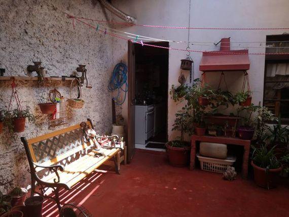 """Se Vende casa <span itemprop=""""addressLocality""""><span itemprop=""""streetAddress"""">Santiago</span></span> centro a pasos de Bascuñan"""