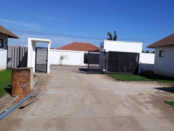 "Hermosa casa nueva , sector inmejorable - <span itemprop=""addressLocality""><span itemprop=""streetAddress"">Talca</span></span>"