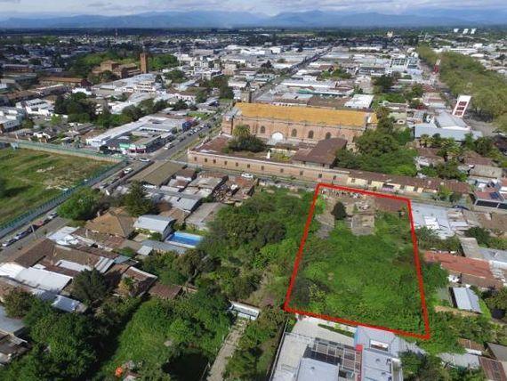Céntrico Terreno para Proyecto Comercial-Habitacional Altura