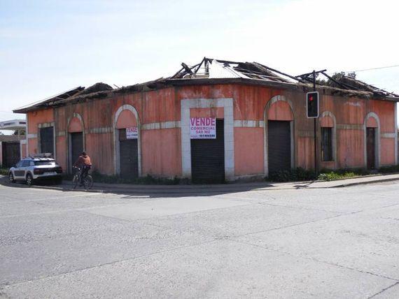 """Excelente terreno esquina comercial, en <span itemprop=""""addressLocality""""><span itemprop=""""streetAddress"""">Linares</span></span>."""
