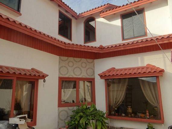 "Vendo casa  en sector Los Romeros de <span itemprop=""addressLocality""><span itemprop=""streetAddress"">Concón</span></span>."