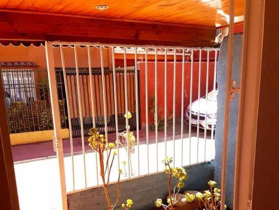Estupenda Casa Metro Laguna Sur - Remodelada