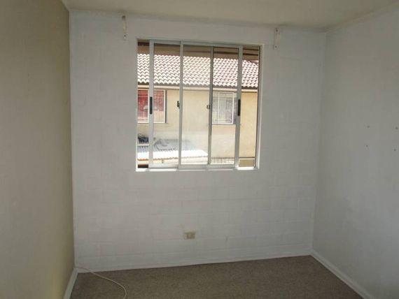 Casa de dos pisos en sector residencial - Microbarrio