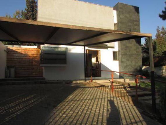 VENDE INMEJORABLE CASA EN REBECA MATTE/HELSBY DE 195/390 M2