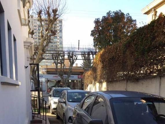 """Casa comercial remodelada <span itemprop=""""addressLocality""""><span itemprop=""""streetAddress"""">Viña Del Mar</span></span> Sector orientes"""