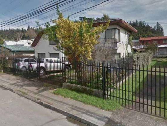 "Gran y Sólida Casa en Sector Collao, <span itemprop=""addressLocality""><span itemprop=""streetAddress"">Concepción</span></span>"