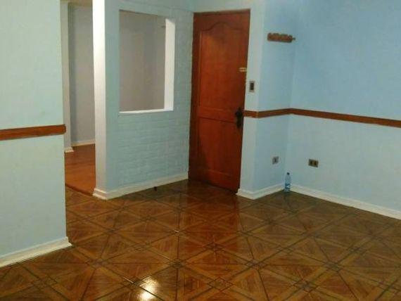 Amplia casa en condominio Miraflores