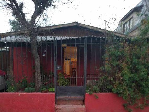 "Casa en <span itemprop=""addressLocality""><span itemprop=""streetAddress"">Lo Prado</span></span>"