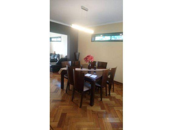 "Vende Casa 4D 5B 4E 1B, 430mts2, Comuna <span itemprop=""addressLocality""><span itemprop=""streetAddress"">La Cisterna</span></span>"