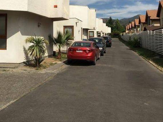 "Vendo Linda Casa Condominio Cipreses - <span itemprop=""addressLocality""><span itemprop=""streetAddress"">Machalí</span></span>"