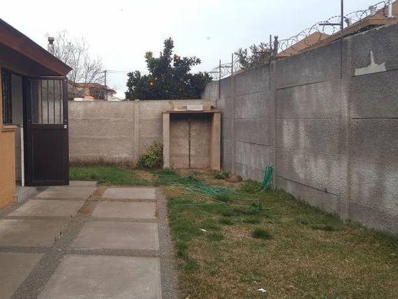 Casa en Excelente Ubicación en el centro de Curico