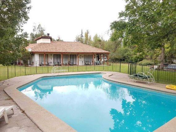 Linda Casa con Excelente Ubicación Chicureo - Santiago