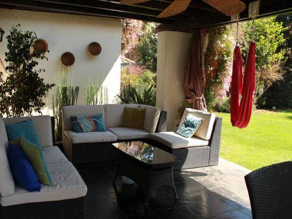 Linda casa estilo Chilena, dentro de condominio consolidado