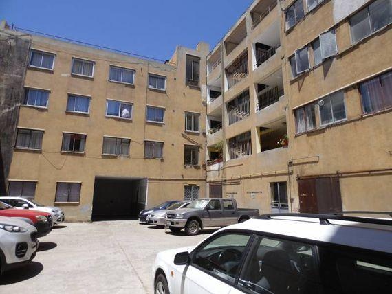 Amplio Departamento Ubicado en Chacabuco esquina San Ignacio