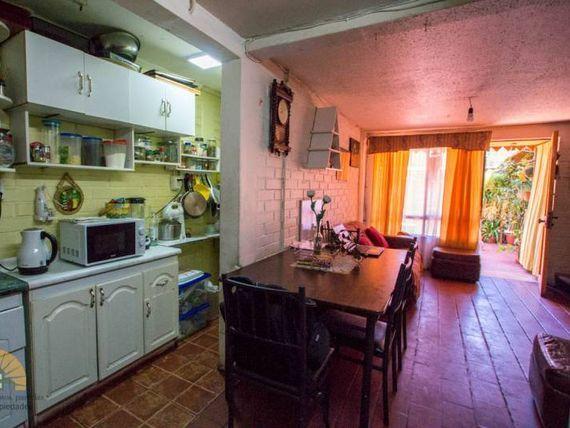 """Se vende casa en <span itemprop=""""addressLocality""""><span itemprop=""""streetAddress"""">Maipú</span></span>, Los Pidenes"""