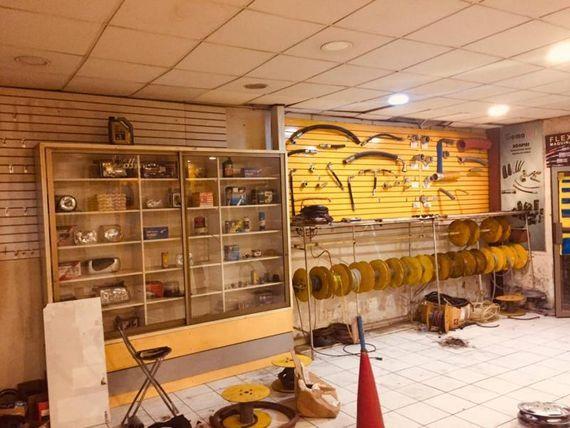 VENDO AMPLIO LOCAL COMERCIAL 2 SUR 9 Y 10 ORIENTE