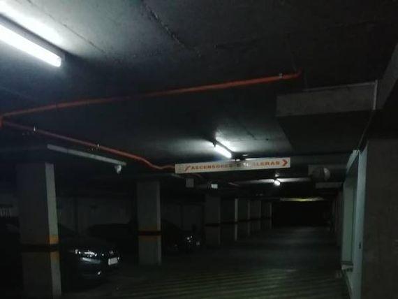 """Estacionamientos en pleno centro de <span itemprop=""""addressLocality""""><span itemprop=""""streetAddress"""">Viña Del Mar</span></span>"""