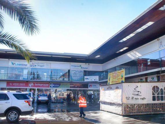 "Locales comerciales en arriendo en strip center <span itemprop=""addressLocality""><span itemprop=""streetAddress"">Talagante</span></span>"