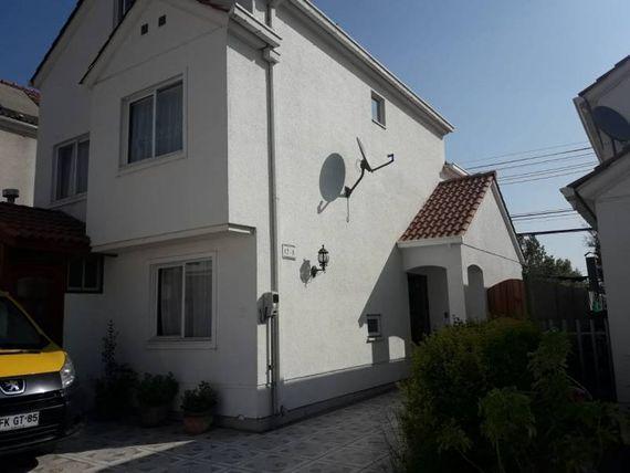 Hermosa y amplia casa en Condominio Cumbre de Nos