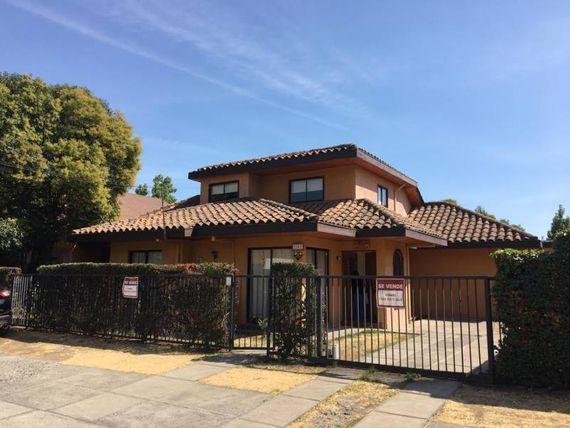 Maravillosa casa en sector residencial,  Avenida España