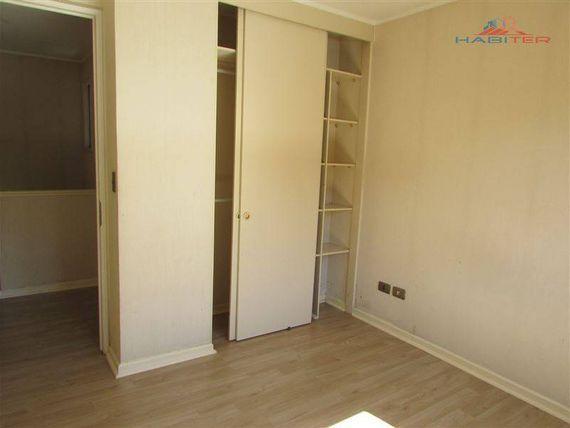Cómoda casa de dos pisos en barrio residencial zona norte