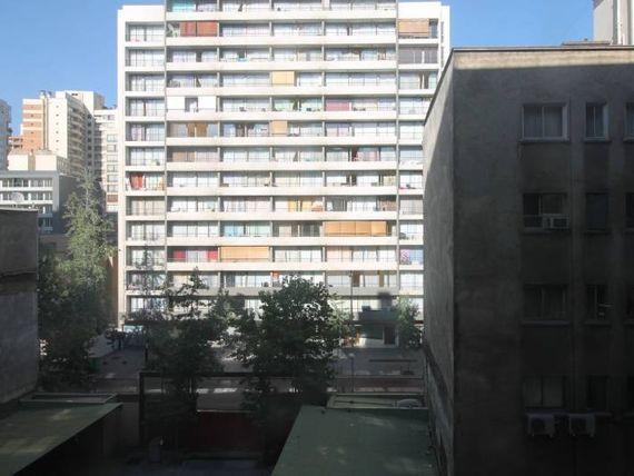 DEPARTAMENTO ENORME PASEO BULNES ALTURA 200 metro Moneda