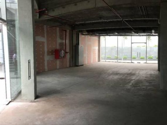 Arriendo Local Comercial, Metro Tobalaba – El Golf