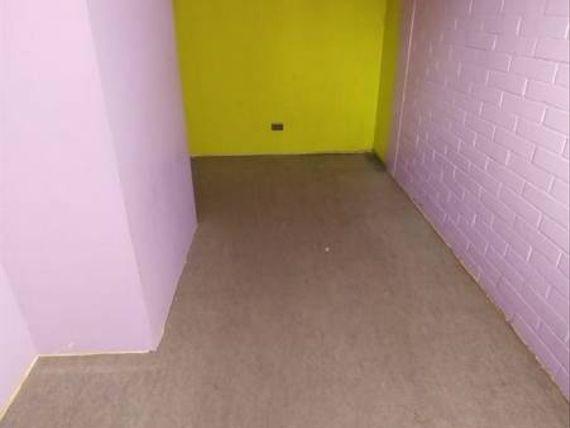 Vendo departamento en condominio primer piso.