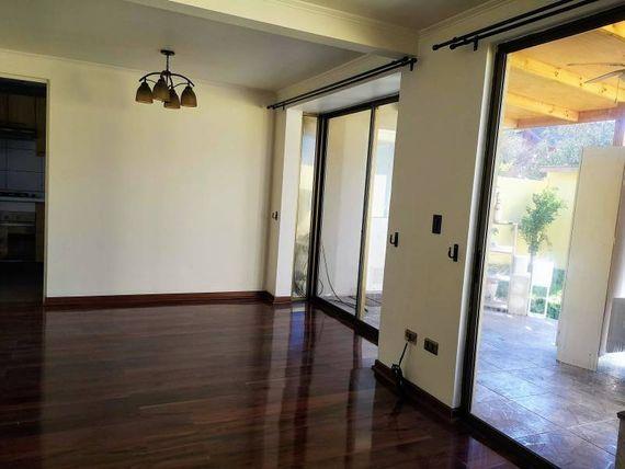 "Condominio La Pradera, <span itemprop=""addressLocality""><span itemprop=""streetAddress"">San Bernardo</span></span>"