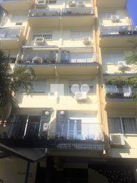 Apartamento com 3 quartos e Varanda, Porto Alegre, Menino Deus, por R$ 620.000
