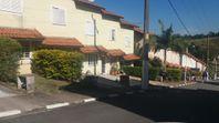 Casa em Condomínio Fechado Portaria 24 horas Cotia km 32 da Raposo Tavares.