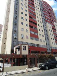 Apartamento com 2 dormitórios à venda, 70 m² por R$ 240.000 - Jóquei Clube - Fortaleza/CE