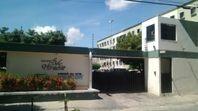 Apartamento com 2 dormitórios para alugar, 60 m² por R$ 739/mês - Pan Americano - Fortaleza/CE