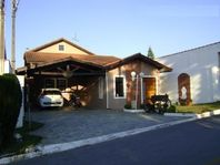 Casa charmosa na Granja Viana