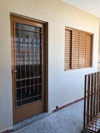 Casa com 2 dormitórios para alugar, 50 m² por R$ 800/mês - São Mateus - São Paulo/SP
