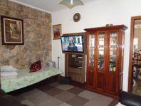 Casa à venda na Pompéia, com 101,00 m² AT e 129,00 AC. Sobrado com 03 dormitórios, sendo 01 suíte, garagem e quintal com churrasqueira