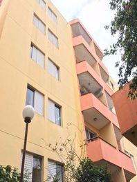 Apartamento com 2 quartos e Salas na RUA ATIBAIA, Jundiaí, Jardim Colônia, por R$ 215.000