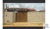 Casa a venda com piscina em Cajupiranga