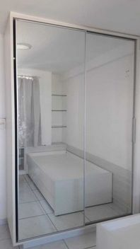 Apartamento andar alto,  área nobre de Tambaú com dois quartos. (A/P)