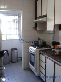 Apartamento com 2 quartos e Armario cozinha na AV Leonardo da Vinci, São Paulo, Jabaquara, por R$ 390.000