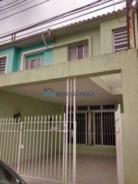 Casa com 5 quartos e Vagas na R Pedro Magalhães, São Paulo, Vila Monumento, por R$ 485.000